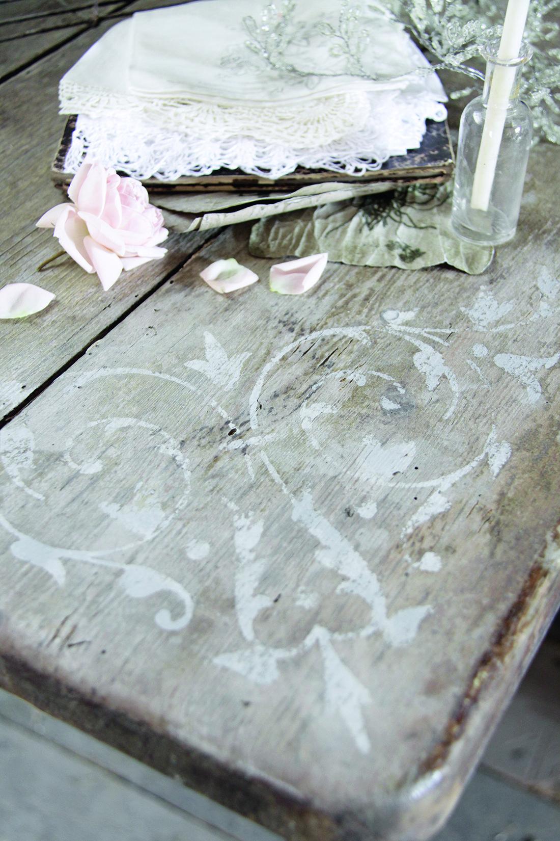 Atelier collectif - stage relooking de meubles pochoirs