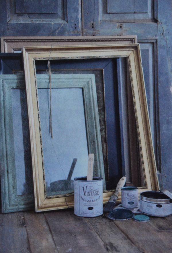 Cadre rénovés avec les peintures à l'eau Vintage Paint
