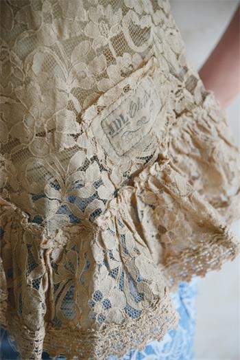 """Top """"Pure Glory"""" - Volant bas - Rose antique brun - 100% dentelle de coton"""